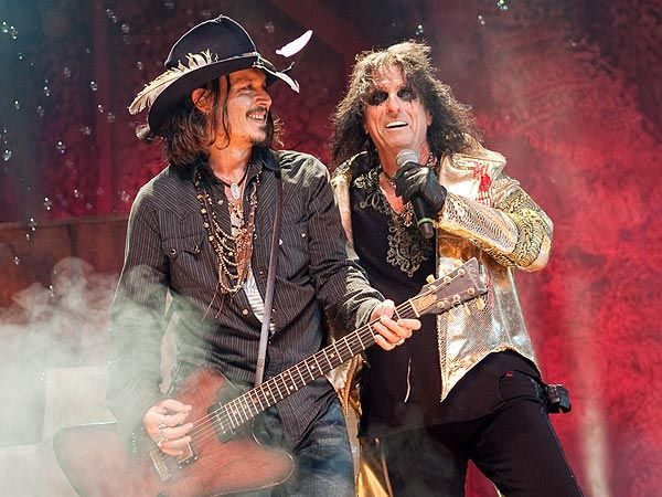 Johnny Depp Performs with Alice Cooper in L.A. - Los Angeles, Caught in the Act, Alice Cooper, Johnny Depp, Concert Hall : People.com