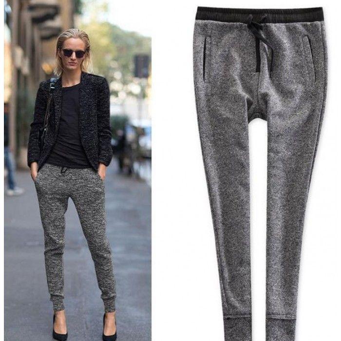 Look com calça esportiva que é uma tendência da moda inverno 2017