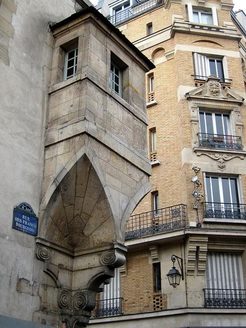 Le Marais, Rue des Francs Bourgeois, Paris III & IV Nearest hotels: My hotel in france le Marais http://www.hotel-paris-marais.fr/ Hotel De Neuve http://www.hoteldeneuveparis.com/fr/