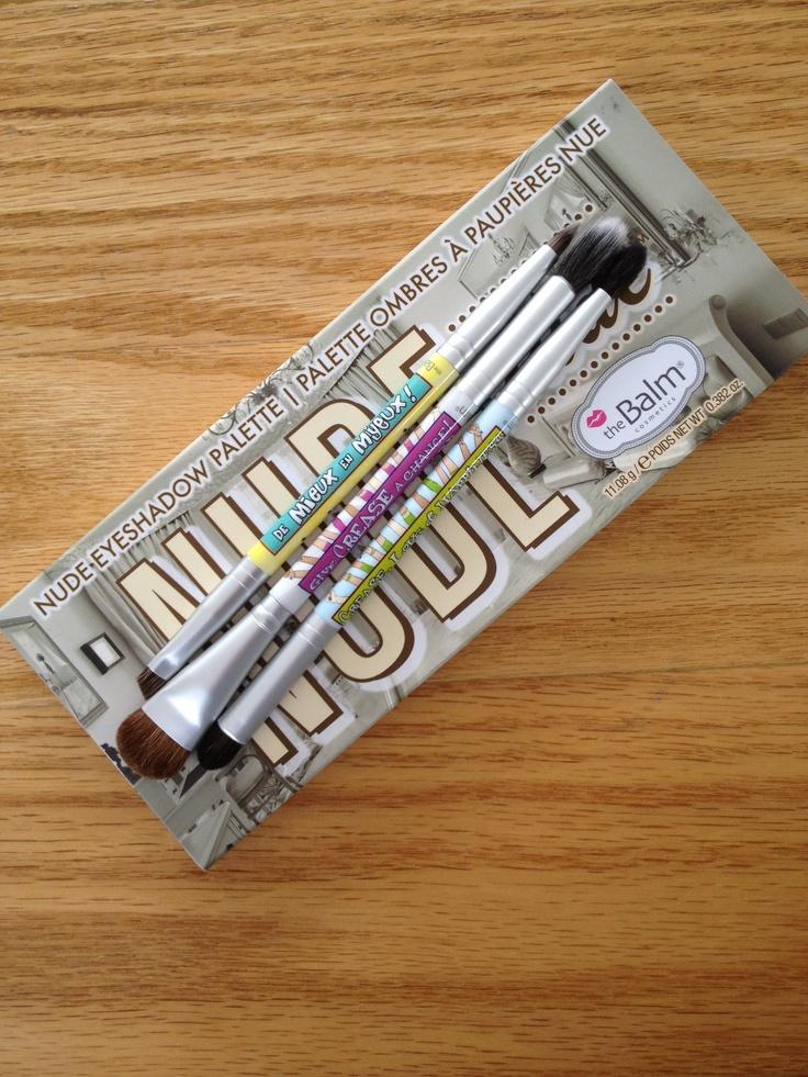 The Balm fırçalar harika göz makyajı için en büyük yardımıcımız!