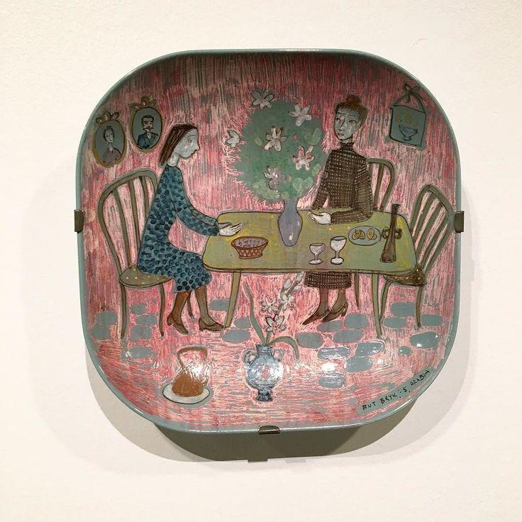 Rut Bryk mikä mahtava keramiikkataiteilija ja mikä kehityskaari näyttelyssä…