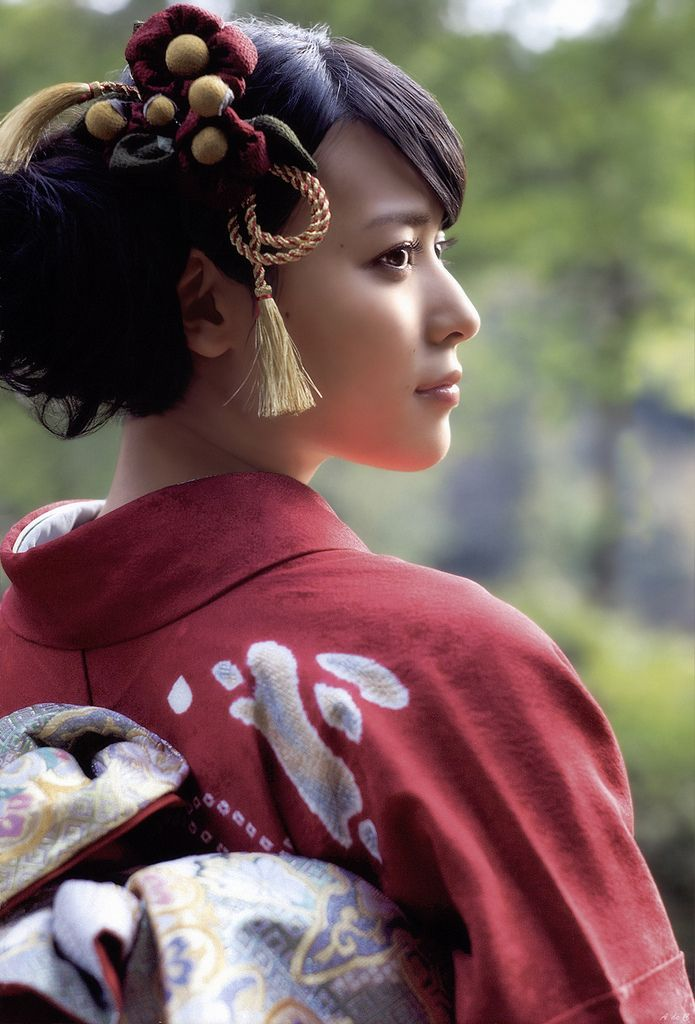 An example of contemporary kimono fashion in Japan. Image via g2slp of Flickr
