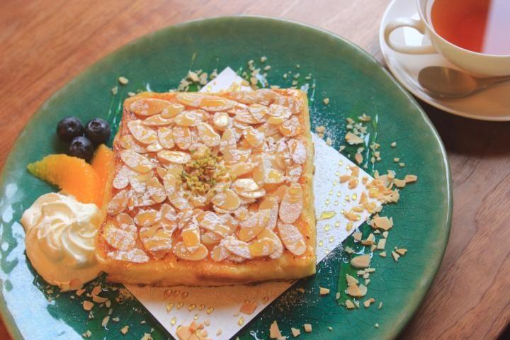 極上のパンスイーツを求めて、鎌倉の古民家カフェ「カフェルセット鎌倉」へ | ことりっぷ