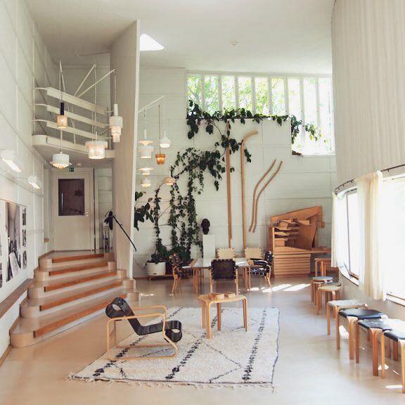 We visited at Studio Aalto & Villa Aalto in July. Those places are so inspiring and totally worth seeing ✨ #moreontheblog  .  .  .  #linkinbio #blogger #bloggers #blogi #uusiblogipostaus #newblogpost #aalto #alvaraalto #design #homedecor #inspiration #artek #helsinki #interiordesign #interior