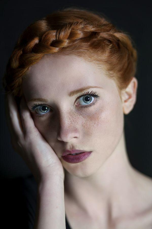 Green eyed redhead deepthroat