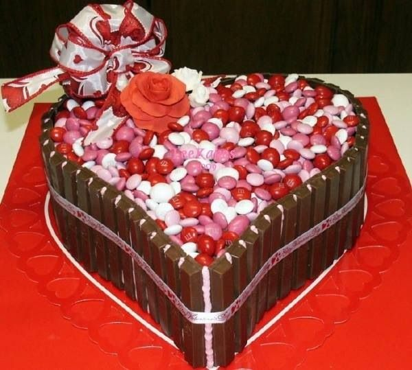 23 best Valentine\'s Day Cakes images on Pinterest | Valentines day ...