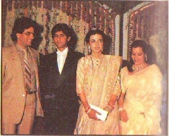 "1 Likes, 1 Comments - muvyz.com (@muvyz) on Instagram: ""#muvyz082117 #BollywoodFlashback Jeetendra and Shobha Kapoor at the wedding reception of Kumar…"""