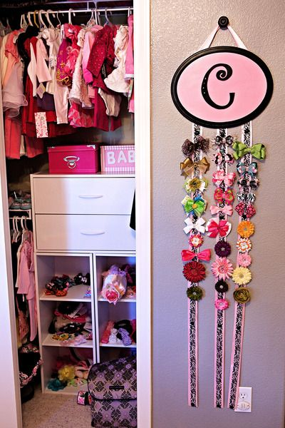 I like the closet set up but I LOVE the hair bow holder!