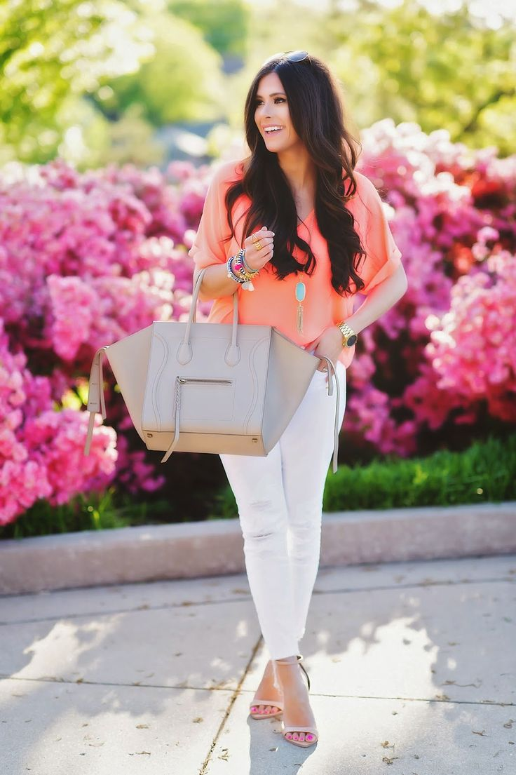 spring outfit-  simple with neon                                                                                                                                                                                 Más