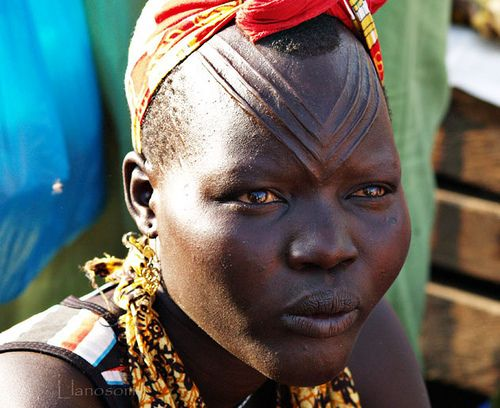 Africa | Dinka woman. Duba, South Sudan | © Ilanosom, via Flickr: