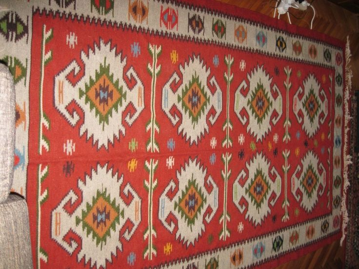 Gorgeous old hand woven Romanian traditional rug /flat weave kilim
