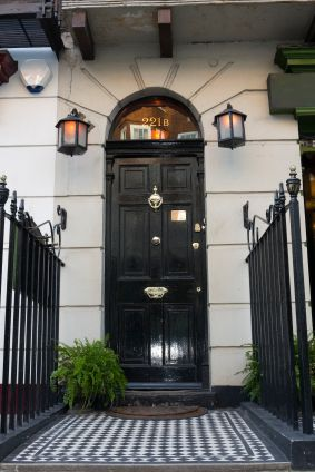 221B Baker Street, the London House of Sherlock Holmes. Oh yes!! Brilliant!! I'll be booking a ticket to London, leaving tomorrow, please :)