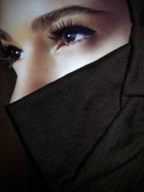 Fitnah Wanita dan Pandangan Mata - Eramuslim
