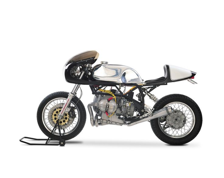 This bike, named the TI Boxer, was the result of an accident on the donor bike at 70mph, on ice. The bike was utterly totalled with the only salvageable parts being the engine, wheels and forks. Using this as a base, the guys at Team Incomplete set about creating the most advanced BMW Café Racer we've ever seen.