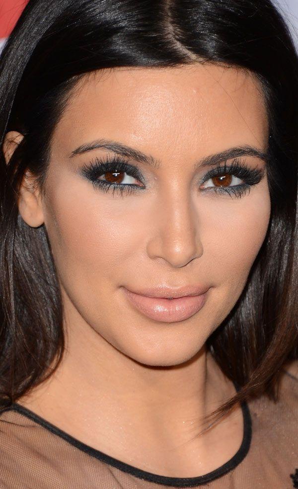 Kim Kardashian makeup smokey eye Powder your nose