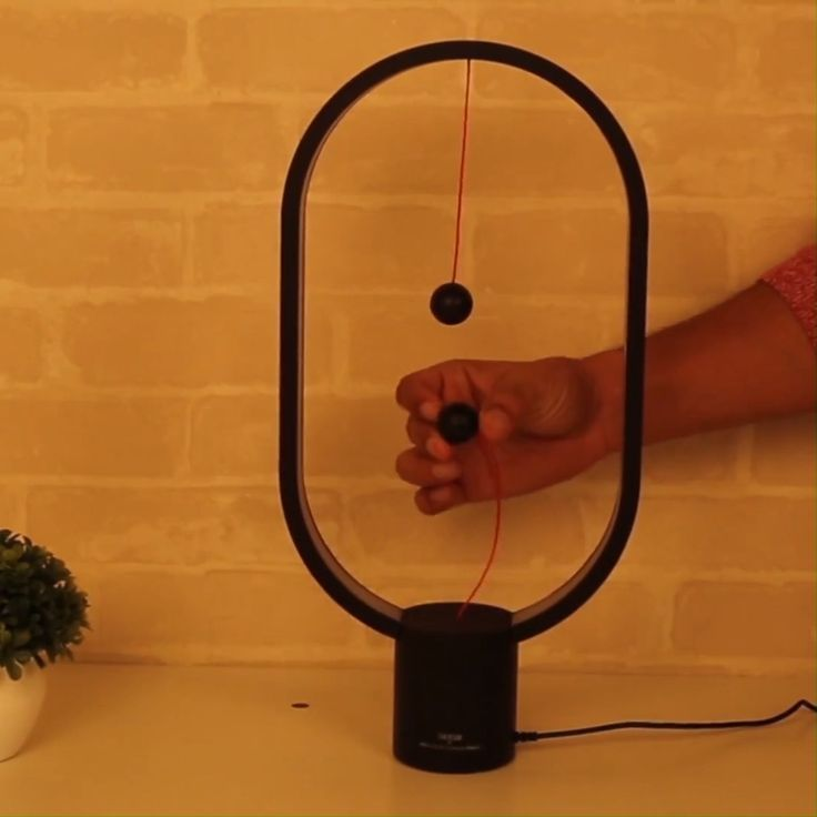 Magnetische Tischlampe aus Holz – ⭐⭐⭐⭐⭐ (5/5) #WoodWorking
