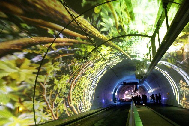 Fêtes des lumières à Lyon, France - Le tube, nouveau tunnel de la Croix-Rousse