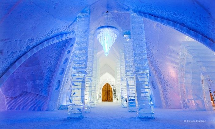 Hôtel de Glace - Quebec City: 1-Night Stay for Two with Sleeping Bags, Breakfast, Two Drinks, and Hot-Tub and Sauna Access at Hôtel de Glace in Quebec