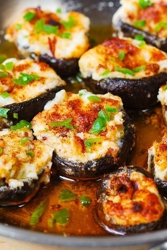 Bacon and Cheese Stuffed Mushrooms recipe - Parmesan and Mozzarella, cream cheese, bacon, bell pepper, Cayenne pepper.