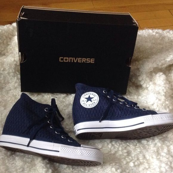 FIRM...NEW CONVERSE WEDGE (DUNK STYLE) SNEAKERS FIRM PRICE...NEW LACE WEDGE STYLE SNEAKERS SIZE 8 Converse Shoes Sneakers