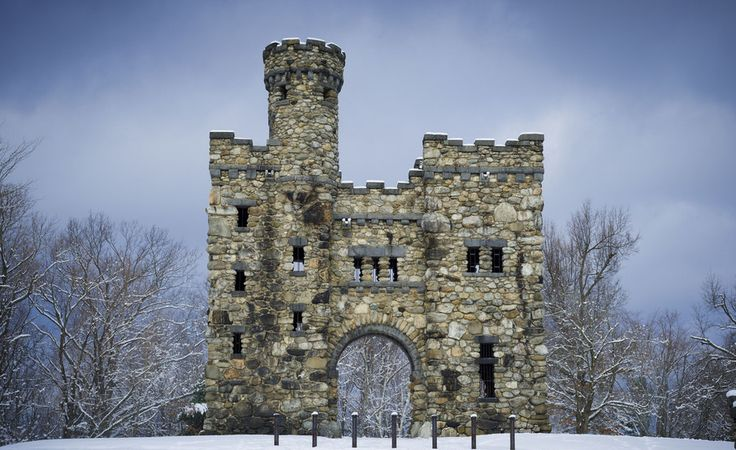 Bet you didn't know these incredible castles were hiding in Massachusetts! Definitely check out these fairytale destinations.
