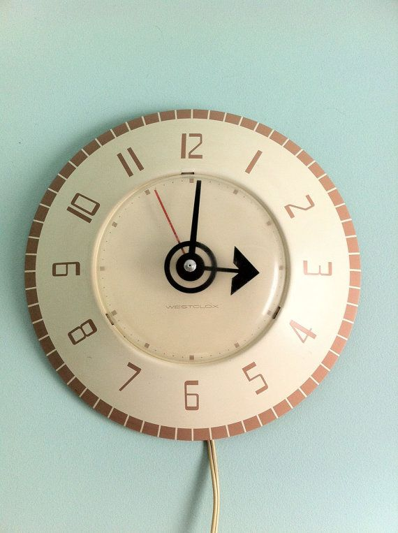 Wonderful Vintage 50s Kitchen Clock   Functioning Westclox Electric Wall Clock