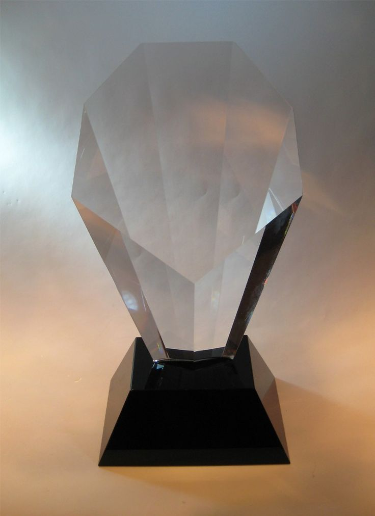 The Crystal Flare Award has a Clear Crystal top and a Black Crystal Base available in 3 sizes. It can be engraved on the top section and on the base. #awards #crystal #crystalawards