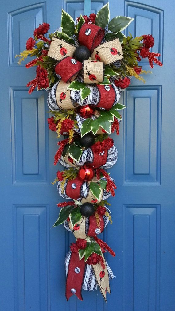 153 best wreaths swags images on pinterest deco mesh for Christmas swags and garlands to make