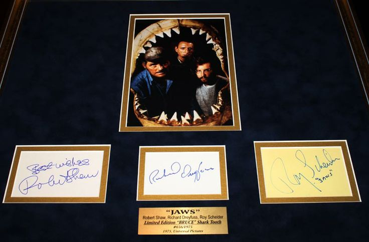 Robert Shaw as Quint | ROBERT SHAW signed the autograph in person in blue marker on a white ...