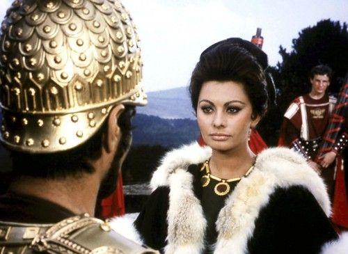 Prinzessin Lucilla (Sophia Loren) kämpft für einen dauerhaften Frieden