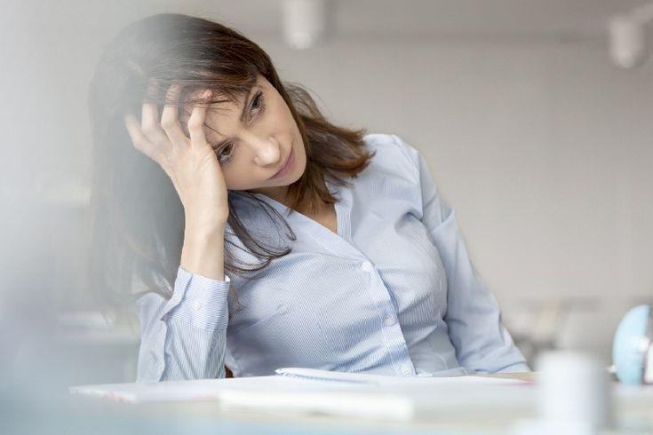 Suasana kantor yang bising terkadang dapat membuat seseorang kesulitan berkonsentrasi. Begini solusinya.  #tips #kantor