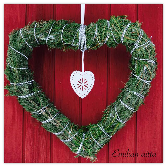 Emilian aitta Wreaths Havukranssi Sydänkranssi Christmas Wreath joulukranssi winter wreath