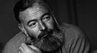 El hijo transexual de Hemingway.  John Hemingway, nieto del escritor, narra la problemática relación entre su padre y su abuelo en un nuevo libro. Una historia escandalosa que no tuvo un final feliz.
