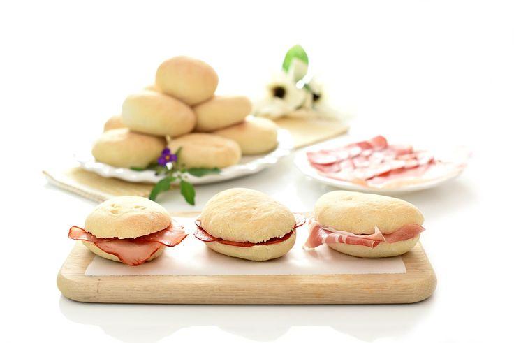 Sin duda la mejor receta de Molletes de Antequera que vas a preparar en casa con tu Thermomix®. Ideales para los desayunos y meriendas de niños y mayores.