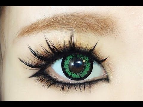 ▶ How To : Gyaru Eye Makeup - YouTube. I LOVE her videos, she does the BEST anime eyes for cosplaying.