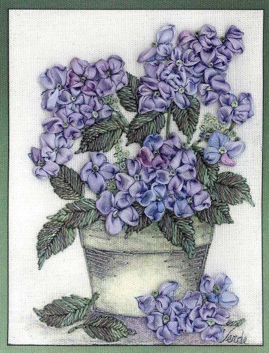 Hydrangea Embroidery Kit   Di van Niekerk