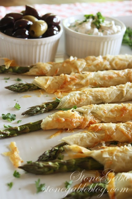 PARMESAN ASPARAGUS PHYLLO ROLL-UPS   WITH LEMON DIPPING SAUCE