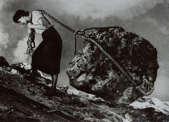 by Grete Stern. Over the shoulder boulder holder.: