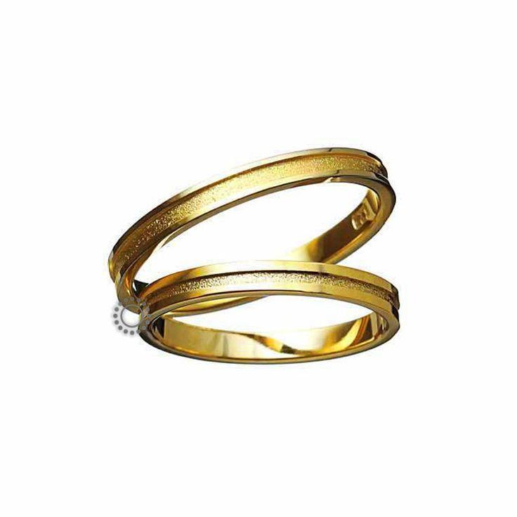 Ελληνικές γαμήλιες βέρες μοντέρνες και κλασικές με την υπογραφή του Χρήστου Τσέλου. Γαμήλιες βέρες Τσέλος 1171-Κ. Ελληνικός σχεδιασμός και κατασκευή βερών. Βέρες γάμου σε επίπεδη γραμμή με ένα διακριτικό ριγέ μοτίβο στο εσωτερικό τους σε Κ14 ή Κ18 χρυσό   Βέρες γάμου & αρραβώνα ΤΣΑΛΔΑΡΗΣ στο Χαλάνδρι #Tselos #βερες #γαμου #wedding #rings