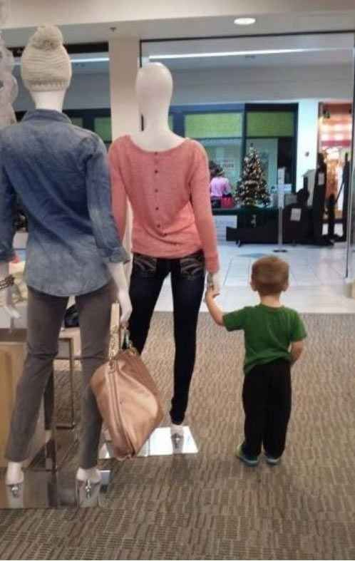 And this one who might be just a little disoriented.   23 Kids Who Are Ready For This Shopping Trip To Be Over