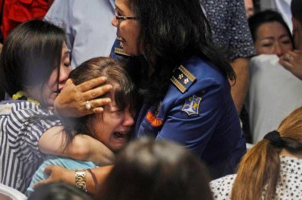 Duka Memecah saat Serpihan AirAsia Ditemukan