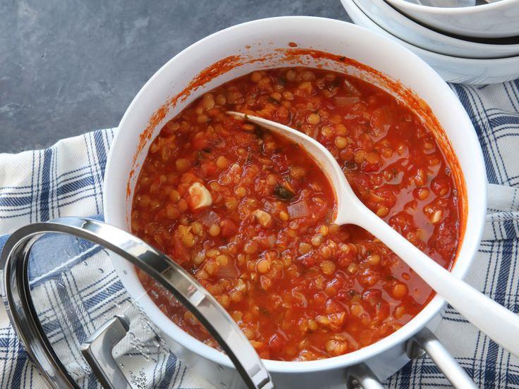 Röd linssoppa med basilika och vitlök | Recept från Köket.se