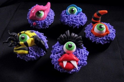 Cupcakes with Eyeballs