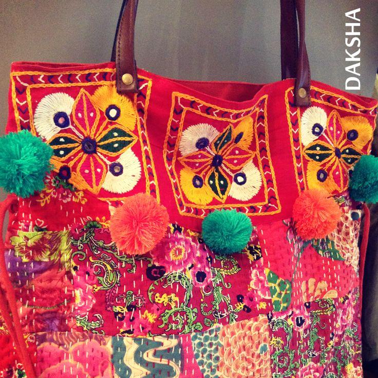 Bolso con tela de Tailandia. www.daksha.com.ar Boho chic. Hippie chic. India. Tailandia.