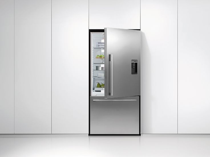 Fisher & Paykel Fridge-Freezers sense and respond to daily use in an intelligent way using ActiveSmart™ Technology. Your fridge door is the most used door in your home and, every time it is opened, the temperature changes around your food. When it comes to your fridge, ActiveSmart™ controls the weather to deliver better food care.