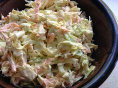 Amerikkalainen kaali-porkkanasalaatti                                  Ei mitään syötävää...: Coleslaw ja helppoa grilliruokaa