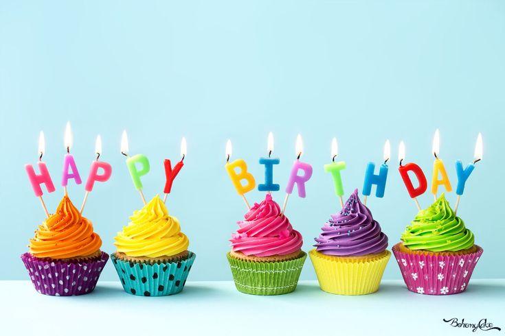 Tanti auguri a noi! Tanti auguri a noi! Tanti auguri a BohemyCake… Buon secondo compleanno a noi!