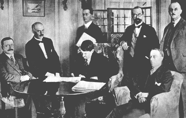 Dec 6 1921, the signing of the Anglo Irish Treaty: Arthur Griffith, Robert Barton, and Michael Collins during the London Treaty Negotiations.