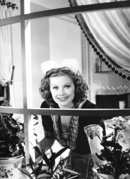 Lucille BallBeautiful Lucy, Classic Stars, Captive Celebrities, Lucy'S Lucille Ball, Lucy Ball Beautiful, Lucile Ball, Vintage Times Class, Hollywood, Things Lucy