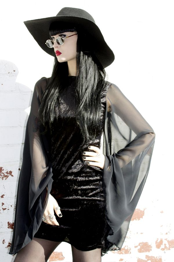 Modern Withc Goth, also known as Nu-Goth from the American Horror story franchise